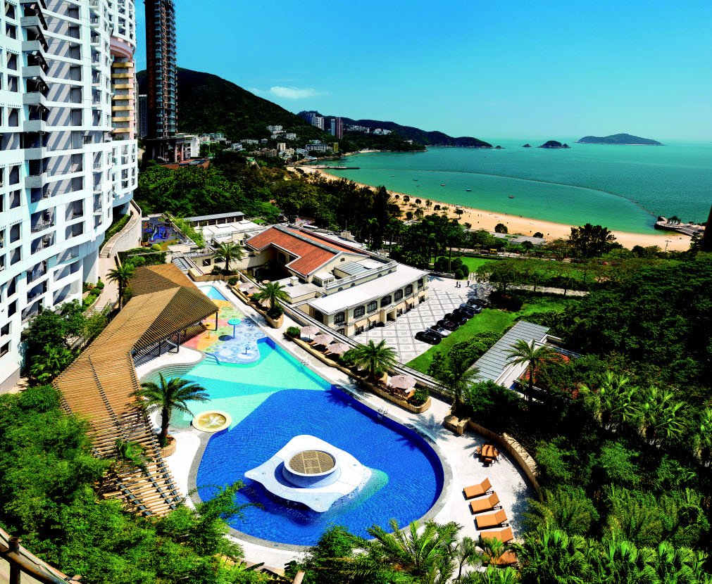 THE REPULSE BAY COMPLEX