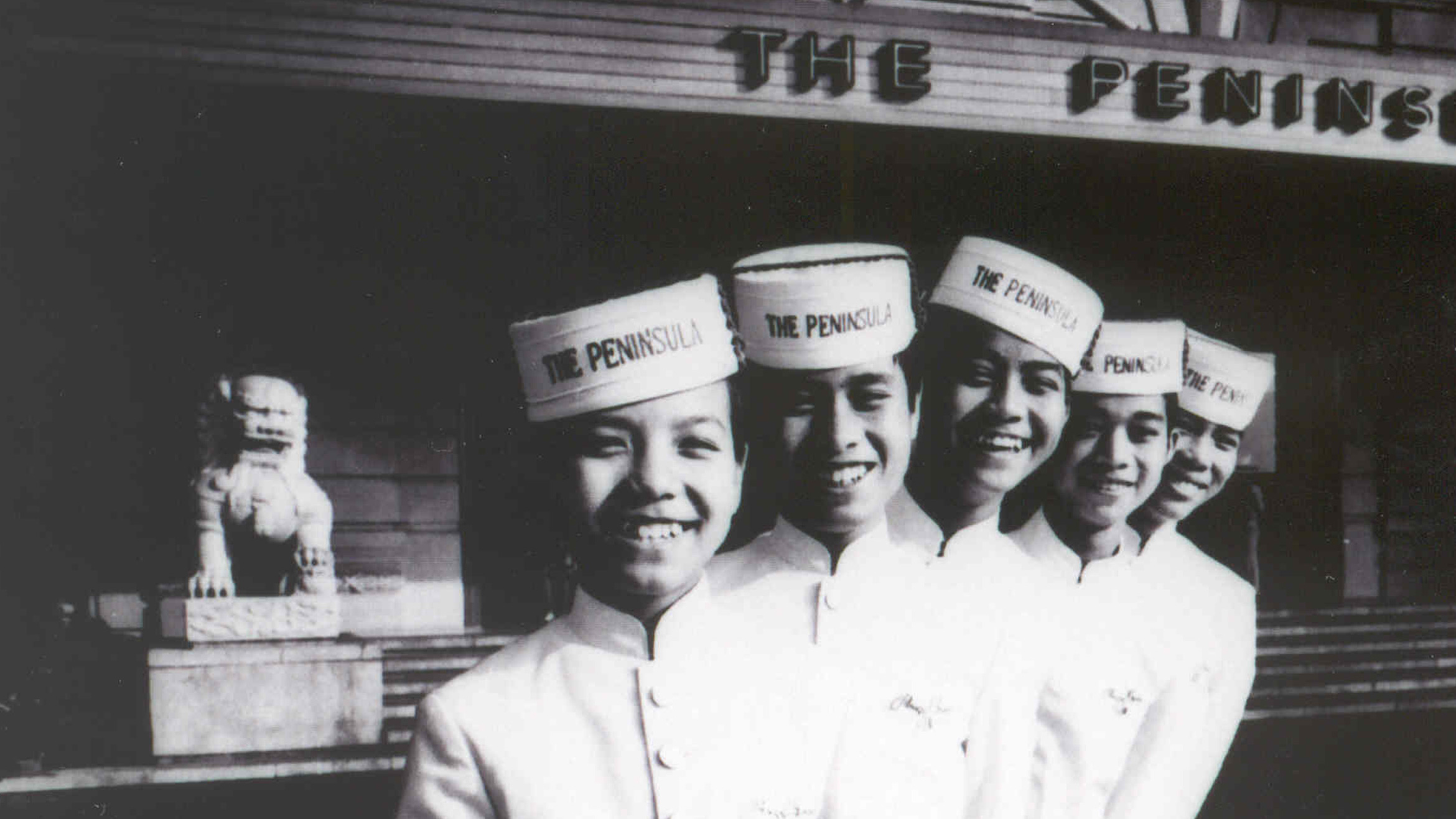 The Peninsula Hong Kong - 50s Pageboys