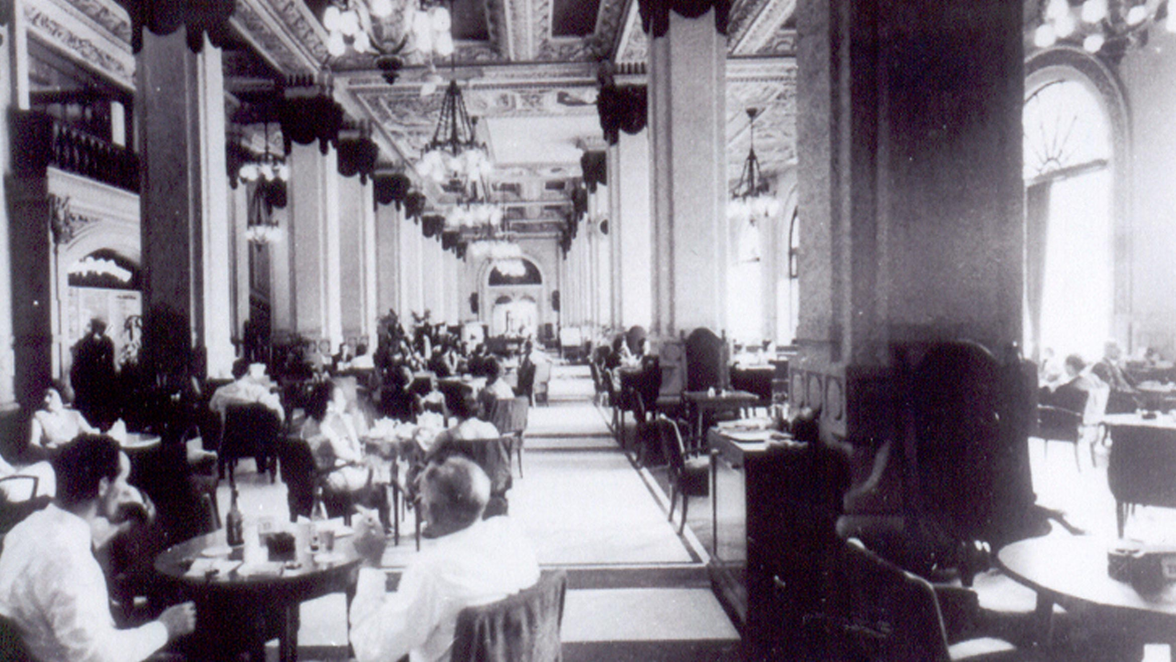 The Peninsula Hong Kong - The Lobby 1950